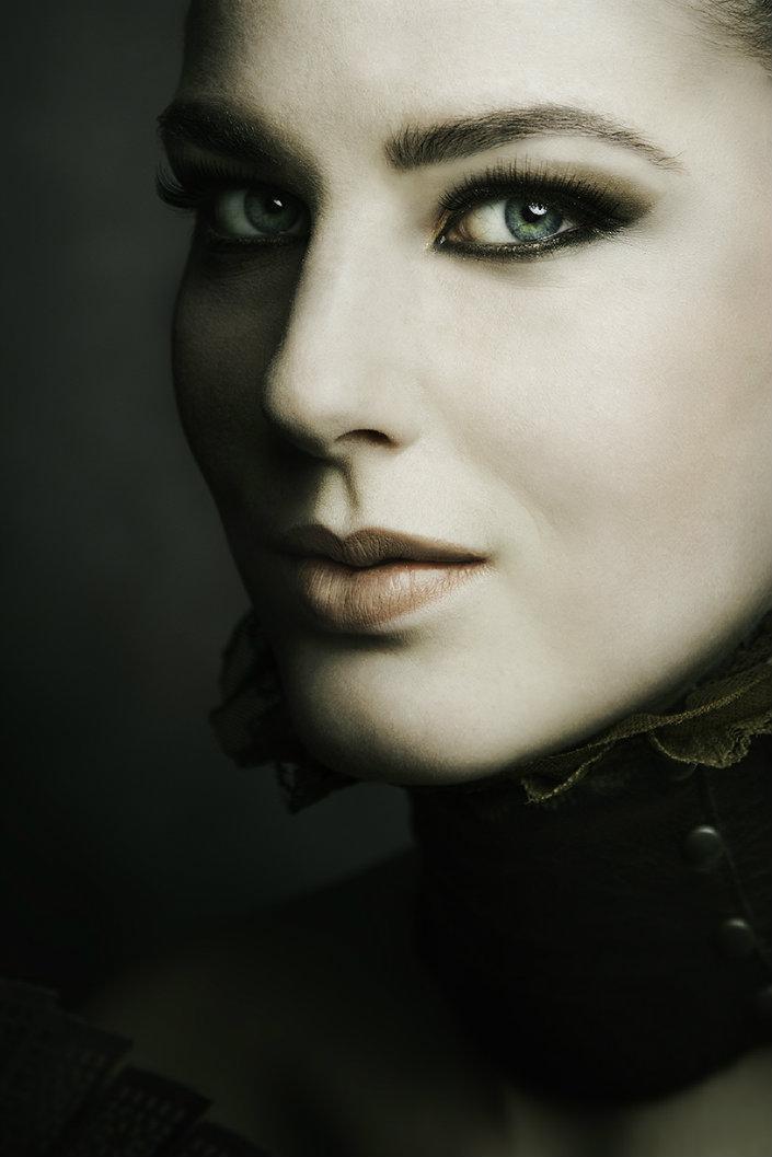 """""""Eva van Oosten's lights and shadows-Eva-van-Oosten-Susanne-Meriam-makeup-Katy-J"""""""