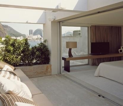 Chic Penthouse by Arthur Casas Studio