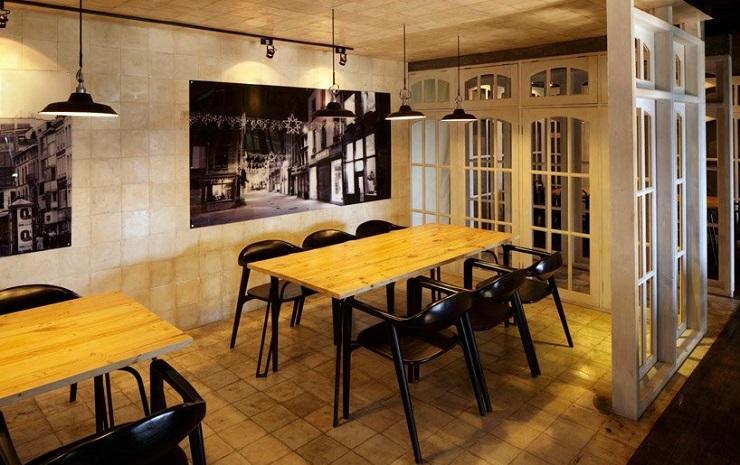 """Porterhouse is a contemporary fusion restaurant located in Pantai Indah Kapuk, Indonesia. It was a project developed by Jakarta-based designer Alvin Tjitrowirjo of AlvinT studio."" Porterhouse Restaurant by Alvin T Porterhouse Restaurant by Alvin T 013414MX 4"