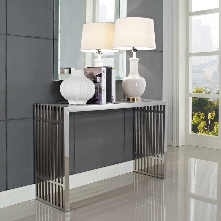 Beautiful console tables for modern decor