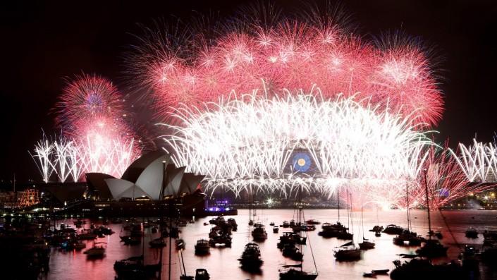 """""""Celebrating New Year 2014-Sydney- Australia-Fireworks in Sydney Harbour"""" Celebrating the new year 2014 Celebrating the new year 2014 Celebrating New Year 2014 Sydney Australia Fireworks in Sydney Harbour e1388666101366"""