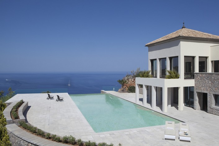 """""""For our inspiration and yours, we had a go at picking out some of the new most unique and luxury places to stay around the world."""" 2014 Luxury Hotels to check in 2014 Luxury Hotels to check in JUMEIRAH PORT SOLLER POOL"""