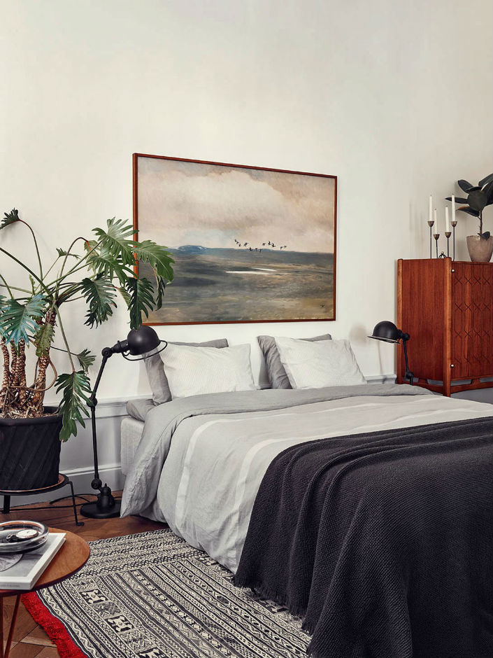 10 OF THE MOST BEAUTIFUL BEDROOM LAMPS WE'VE EVER SEEN Stunning-Stockholm-Apartment-Joanna-Laven-Yellowtrace-08 10 of the most beautiful bedroom lamps we've ever seen 10 of the most beautiful bedroom lamps we've ever seen 10 OF THE MOST BEAUTIFUL BEDROOM LAMPS WEVE EVER SEEN Stunning Stockholm Apartment Joanna Laven Yellowtrace 08