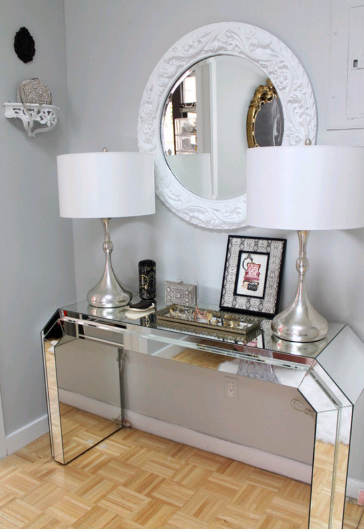 5 Beautiful Entrance Halls With A Round Mirror Nichole Loiacono Design