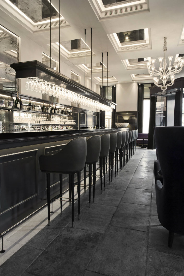 Discover The 5 Most Chic Counter Stools For Bars