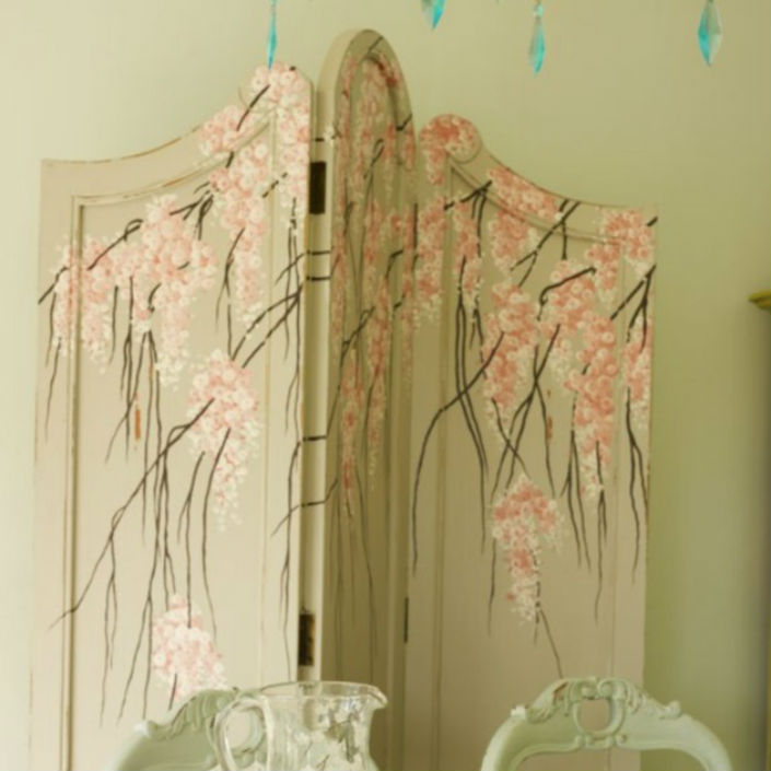 Desire A Feminine Decoration Touch For Bedrooms Folding Screen Ideas
