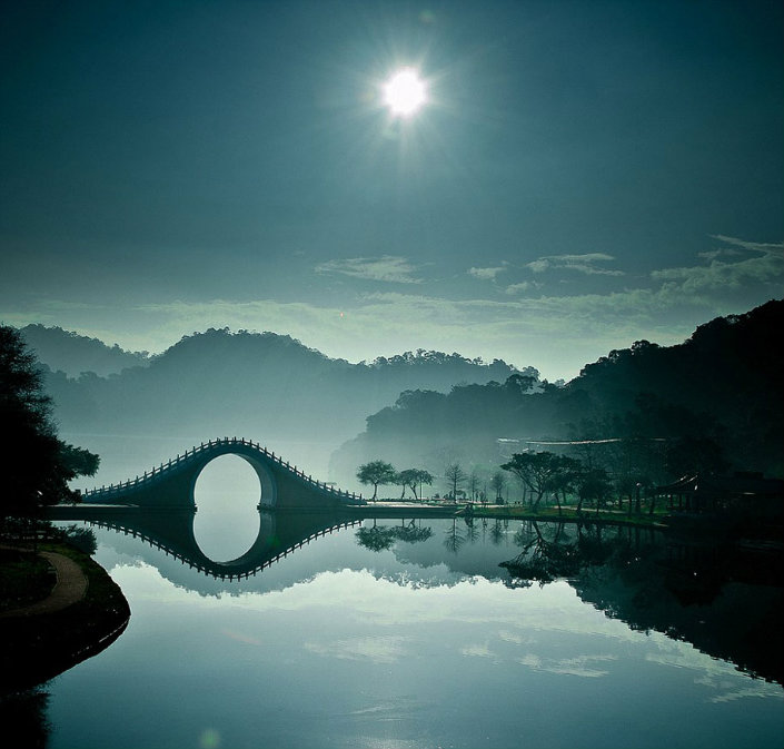 Top 10 magical bridges by BRABBU: An unforgettable travel Top 10 magical bridges by BRABBU: An unforgettable travel Top 10 magical bridges by BRABBU: An unforgettable travel Moon Bridge     Taipei Taiwan