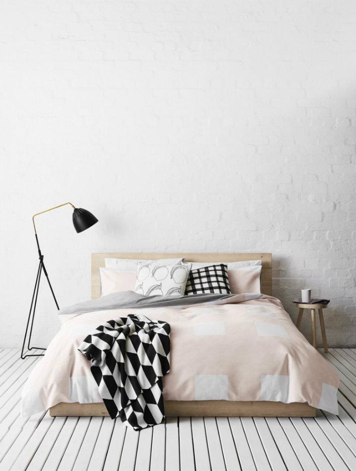 The 10 Boldest Floor Lamps For A Master Bedroom 6 | BRABBU | Design Forces