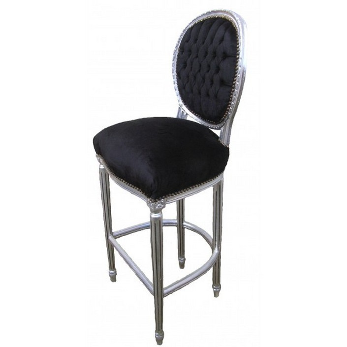 Usually we listen about bar stools, but now the trend is bar chairs.  8 beautiful modern bar chairs in velvet 8 beautiful modern bar chairs in velvet black velvet bar chair1