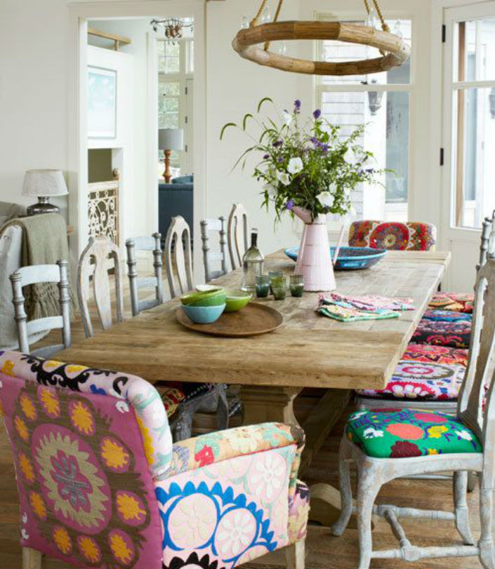 5 Bold high back dining room chairs for unique dining rooms