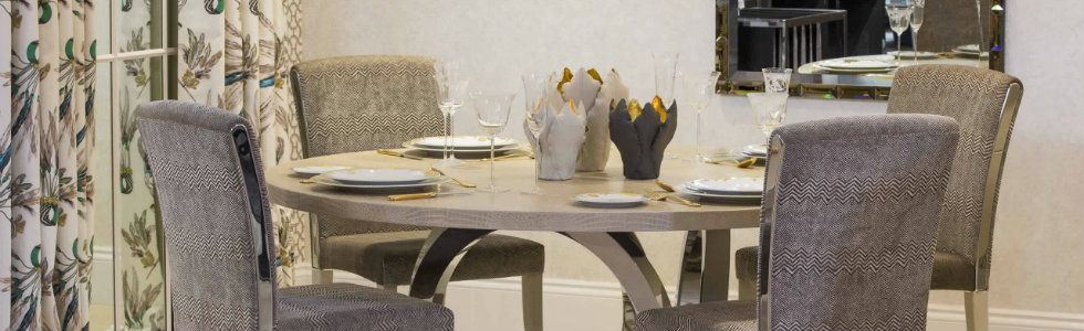 How to Set Up a Round Dining Table How to Set Up a Round Dining Table How to Set Up a Round Dining Table 1