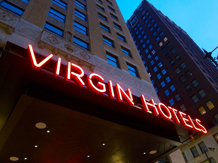 Best contemporary hotels virgin hotel chicago by rockwell for Best contemporary hotels
