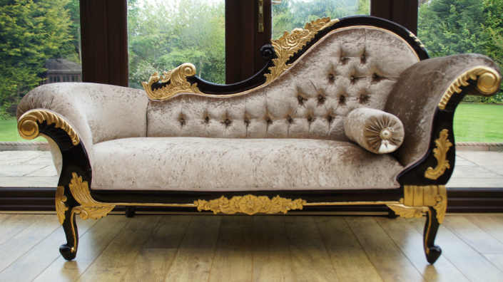Top 5 Velvet Lounge Sofa For A Magical Living Room Decor 7