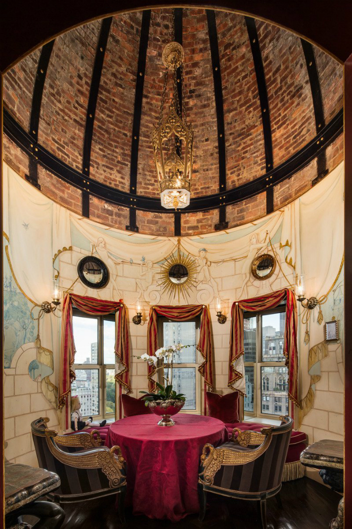Jaw dropping Tommy Hilfiger's penthouse at New York Plaza Hotel 5 Jaw dropping: Tommy Hilfiger's penthouse at New York Plaza Hotel Jaw dropping: Tommy Hilfiger's penthouse at New York Plaza Hotel Jaw dropping Tommy Hilfigers penthouse at New York Plaza Hotel 5