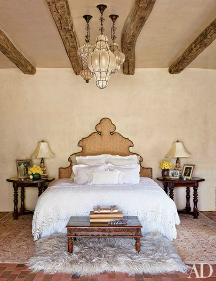 Bedside Tables The Bedside Tables Decor of George Clooney, Elle DeGeneres and Other 2015 07 01 1435771632 1394663 item2
