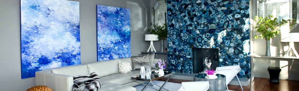 6 tips to place art in your living room set