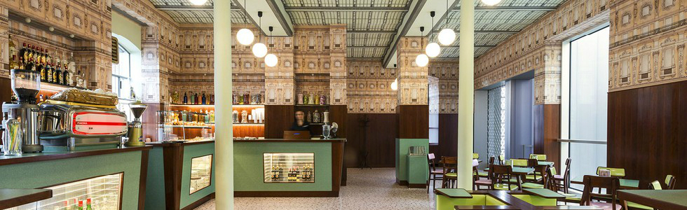 When in milan visit this coffee shop decorated by the for Best coffee in milan