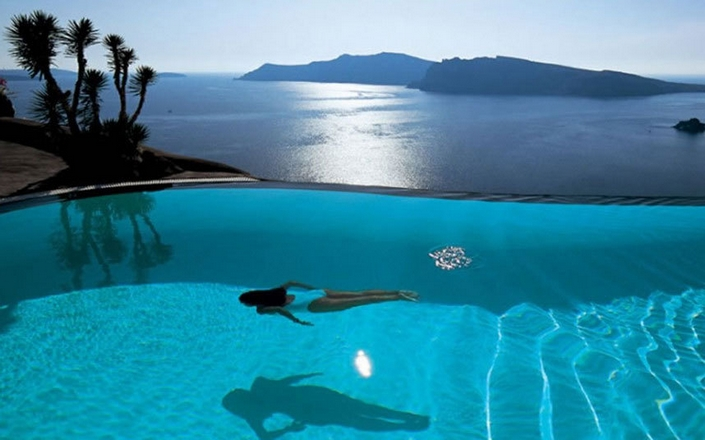 30 most amazing pools in world 39 s top hotels for Top 20 hotels in the world