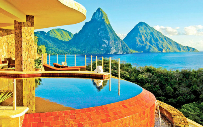 30 most amazing pools in world 39 s top hotels for Amazing hotels of the world