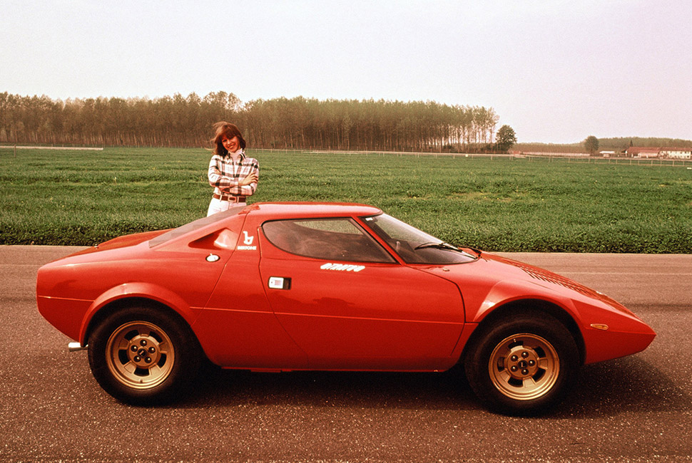 The most beautiful Italian Cars - Lancia Stratos best looking cars From the Aston Martin DB4 to the alfa romeo:the best looking cars ever lancia stratos bertrone