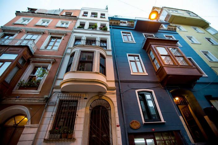 modern home decor, modern interiors, historic buildings, contemporary interiors, Modern Home Decor 7 Historic Buildings With a Modern Home Decor 72