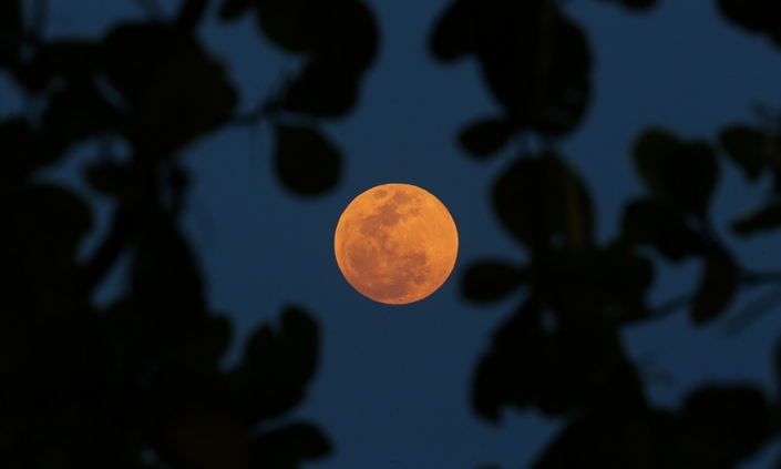 The Best Pictures from the super blood moon september 2015 14 super blood moon The Best Pictures of the super blood moon september 2015 The Best Pictures from the super blood moon september 2015 14