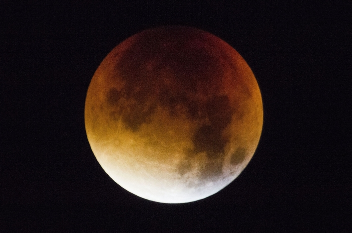 The Best Pictures from the september 2015 9 super blood moon The Best Pictures of the super blood moon september 2015 The Best Pictures from the super blood moon september 2015 9