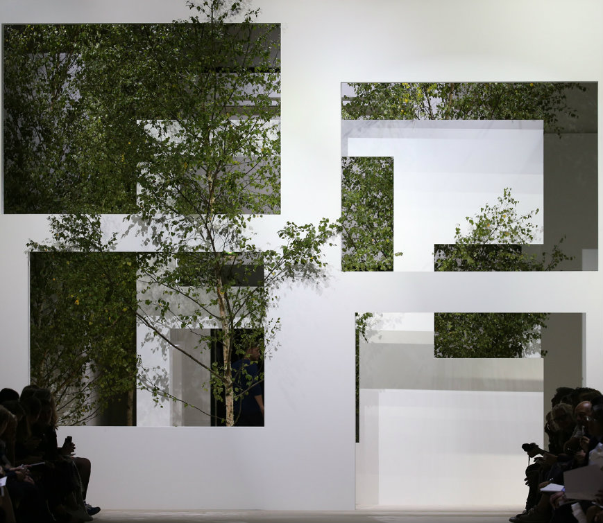 sou fujimoto Akris get inspiration in Sou Fujimoto's buildings for the SS 2016 Swiss fashion house Akris get inspiration in Sou Fujimotos buildings for the Spring Summer 2016 Collection 3