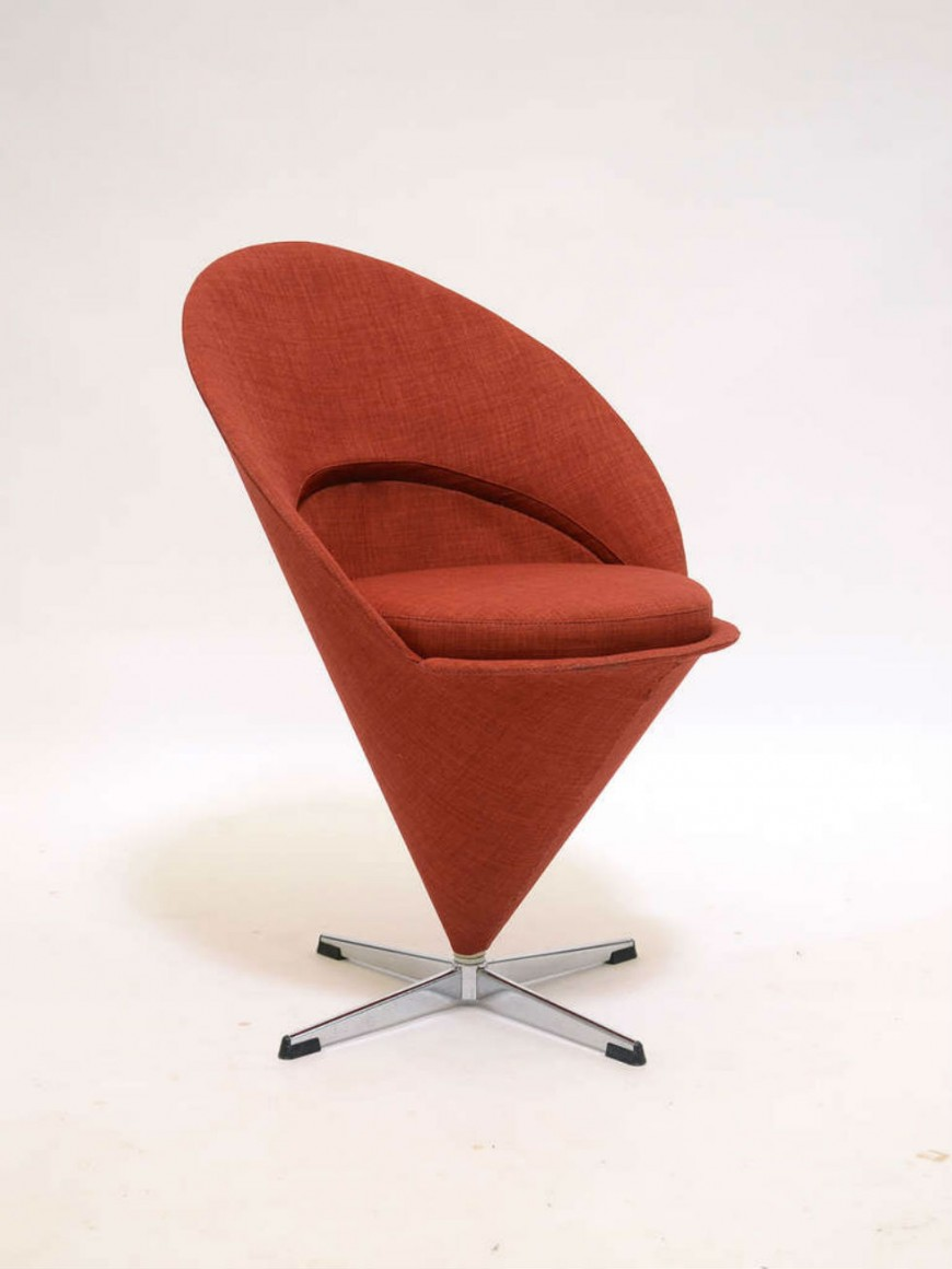How History's Most Hated Chairs Became Today's Most Iconic Pieces chairs How History's Most Hated Chairs Became Today's Most Iconic Pieces mid century 3 e1445283684710