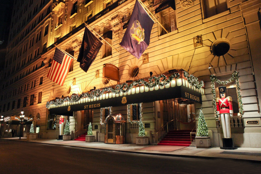 Most luxurious hotels for Christmas most luxurious hotels Most luxurious hotels with the best Christmas window display ideas hotel christmas decorations 01