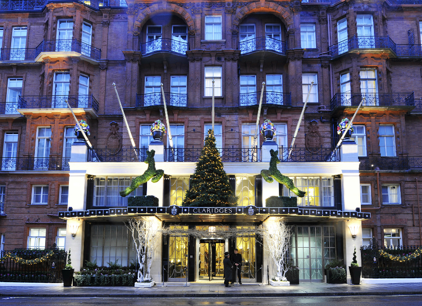 Most luxurious hotels destinations most luxurious hotels Most luxurious hotels with the best Christmas window display ideas hotel christmas decorations 07