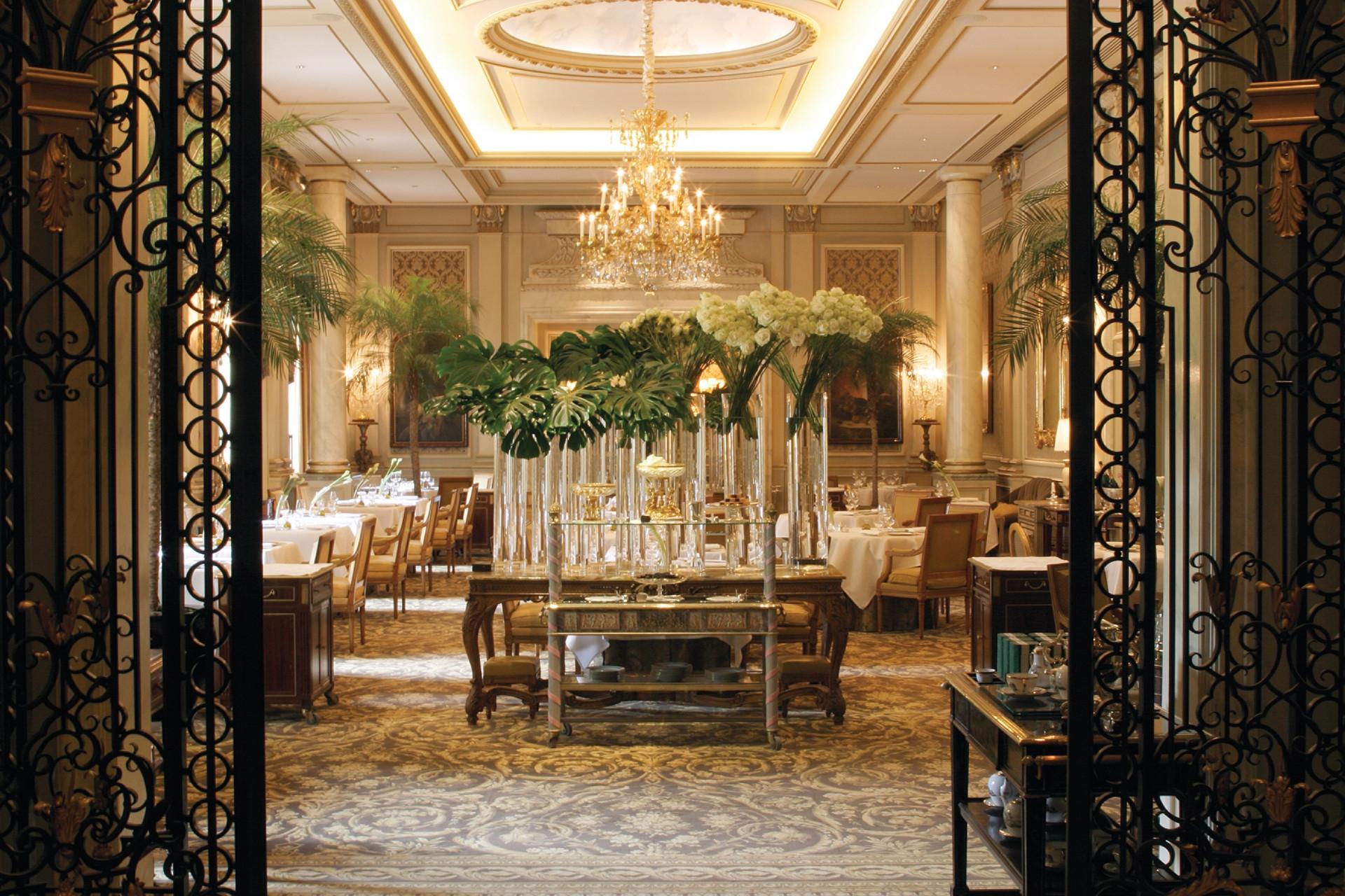 best luxurious restaurants in paris le cinq maison et objet Where to Eat in Paris during Maison et Objet - A Michelin Guide le cinq