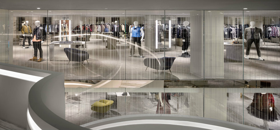 shopping in new york Shopping in New York: visit new Barneys flagship store 1
