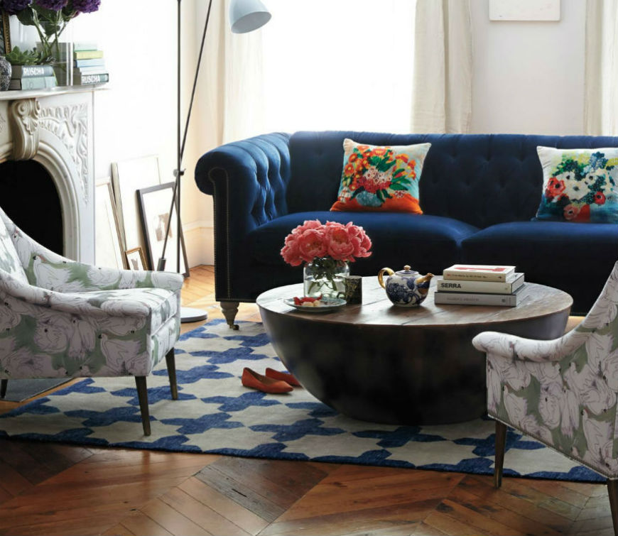 Interior design tips: blue velvet chesterfield sofa
