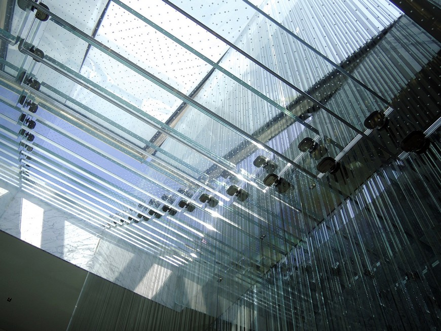 Interior House Design: Carpenter Lowings Creates Scary Glass Staircase  interior house design Interior House Design: Carpenter Lowings Creates Scary Glass Staircase glass stair skylight carpenter lowings hong kong china interiors dezeen 1568 1