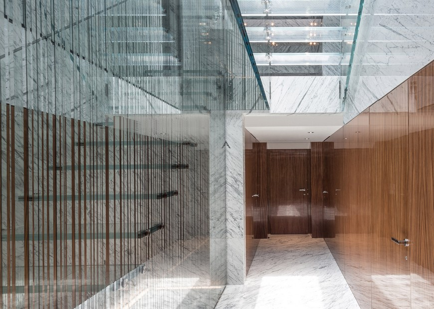 Interior House Design: Carpenter Lowings Creates Scary Glass Staircase  interior house design Interior House Design: Carpenter Lowings Creates Scary Glass Staircase glass stair skylight carpenter lowings hong kong china interiors dezeen 1568 5