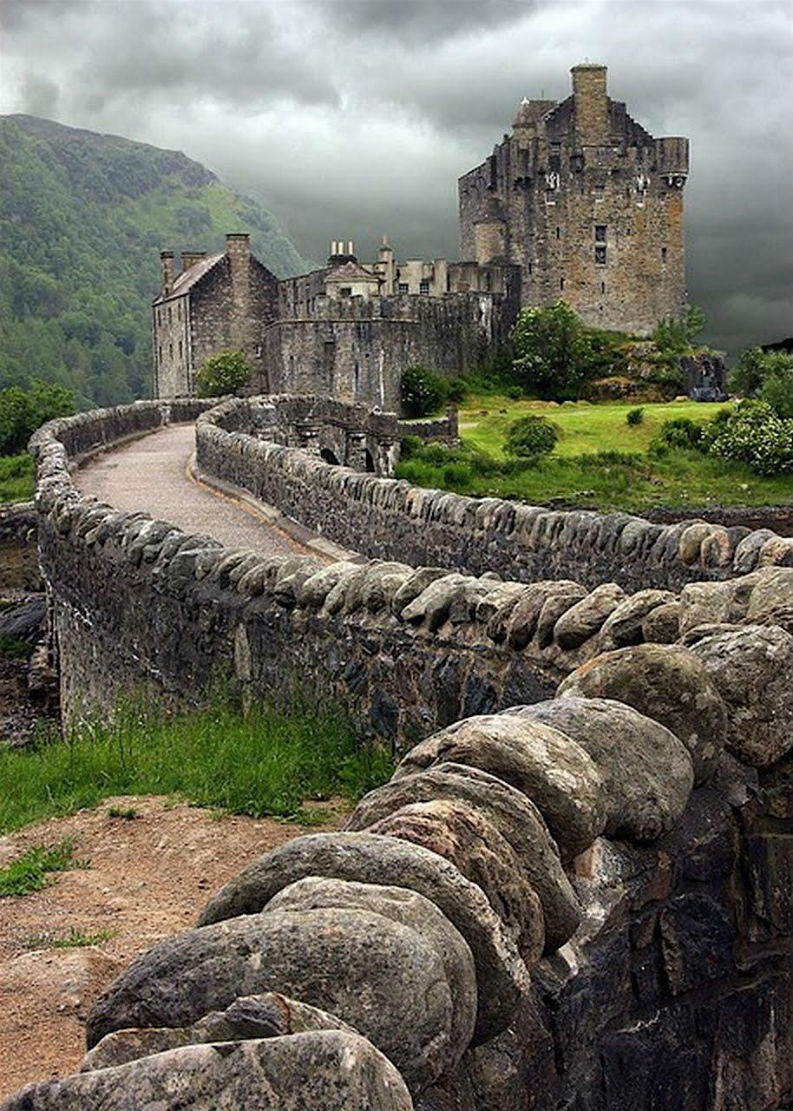 10 Not So Crowded Summer Holidays To See Before You Die summer vacations 10 Not So Crowded Summer Vacations To See Before You Die 10 Not So Crowded Summer Vacations To See Before You Die Eilean Donan Castle Scotland