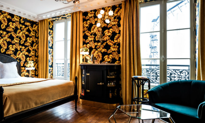 Top 5 Best Hotels in Paris With Bold and Luxurious Decors best hotels in paris Top 5 Best Hotels in Paris With Bold and Luxurious Decors hotel providence chambre jaune benoit linero 11