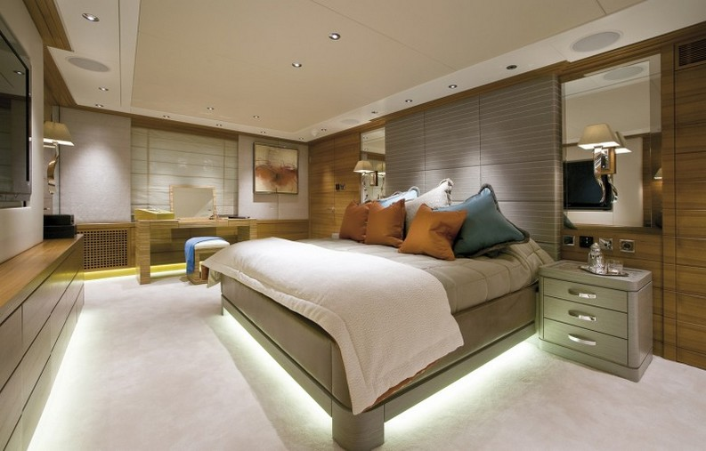 supertyatch interior design luxury yacht interiors 5 Stunning Luxury Yacht Interiors by H2 Yacht Design VaBene 10110 780x499