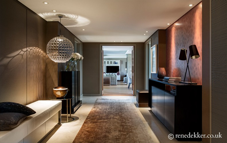 5 Remarkable Interior Design Projects by René Dekker Design rené dekker 5 Remarkable Interior Design Projects by René Dekker Design West London Penthouse sophisticated entrance hall