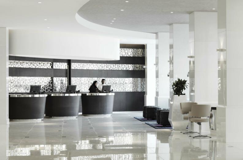 6 stunning hospitality interior designs from Hospitality Interiors_3 hospitality interior designs 6 stunning hospitality interior designs from Hospitality Interiors radisson blu hotel kuwait3