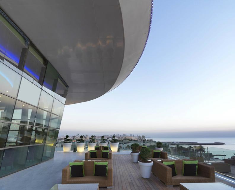 6 stunning hospitality interior designs from Hospitality Interiors_4 hospitality interior designs 6 stunning hospitality interior designs from Hospitality Interiors radisson blu hotel kuwait4