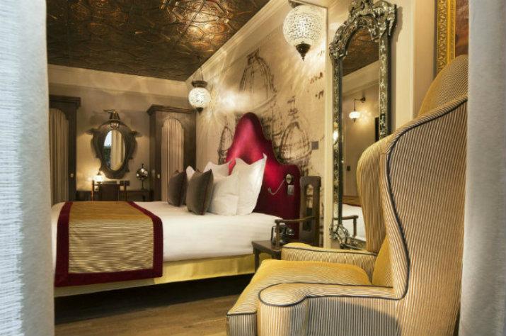 THE SUPERB INTERIORS OF THE HOTEL DA VINCI IN PARIS hotel da vinci THE  SUPERB INTERIORS OF THE HOTEL DA VINCI IN PARIS VOIR LES INT  RIEURS SUPERBES DH  TEL DA VINCI    PARIS4