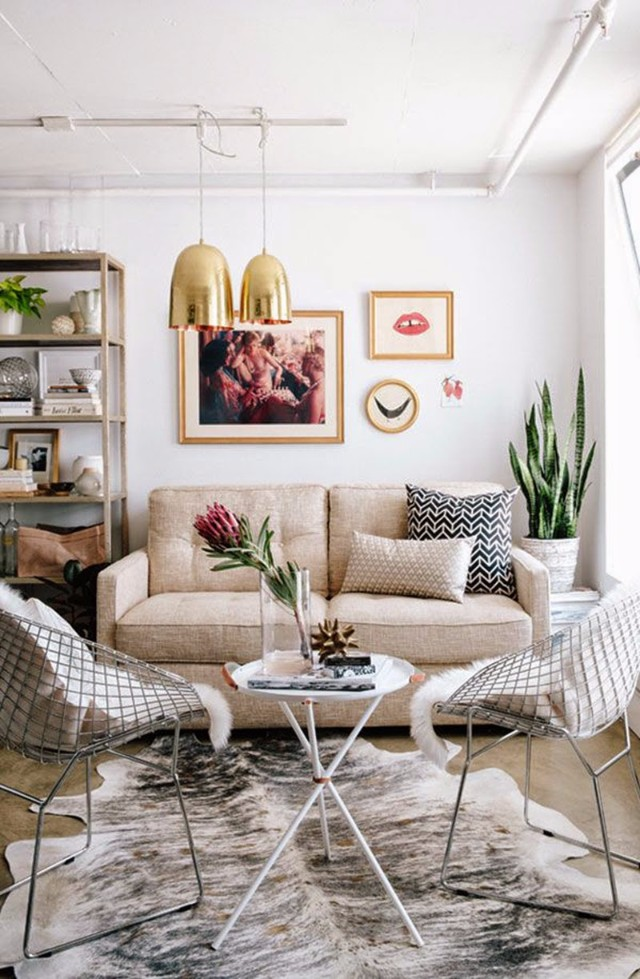 10 interior design tips on how to style a small living room for Living room styling tips