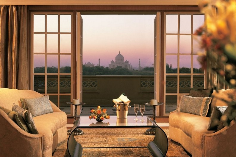 Meet the 7 Best Hotels Suite Views In The World  best hotels Meet the 7 Best Hotels Suite Views In The World 6 the oberoi amarvilas 1493915495