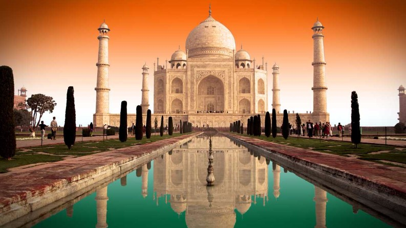 8 Dreamy Oldest Places To Visit Around the World This Summer places to visit 8 Dreamy Oldest Places To Visit Around the World This Summer taj mahal
