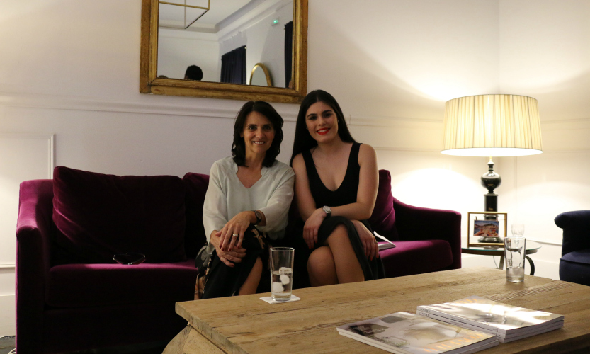 BRABBU interviews Elle Decor Spain director at the Moongata Showroom | Elle Decor Spain. Interior Design Magazines. Modern interior design. #interiordesignmagazines #martarioperez #elledecorspain Get inside the exclusive interviews from top personalities: https://goo.gl/VGttFA