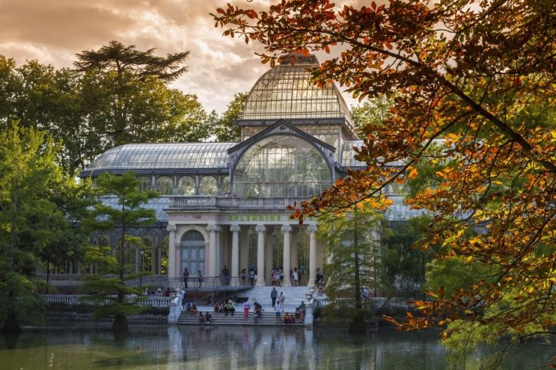 10 Best Travel Destinations For The Perfect Fall Vacation | Travel Destinations, trendy places, fall vacations #besttraveldestinations #fallvacations #trendyplaces