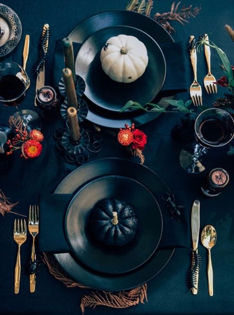 10 Halloween interior design tips that are both Chic and Spooky. Interior Design Ideas. Halloween Party decor. Halloween Decoration. #halloweenpartydecor #interiordesigntips #diningroomideas Get inspired every day: https://goo.gl/y85kv9 interior design tips 10 Halloween interior design tips that are both Chic and Spooky 1441742924 adult halloween party decorating ideas 02