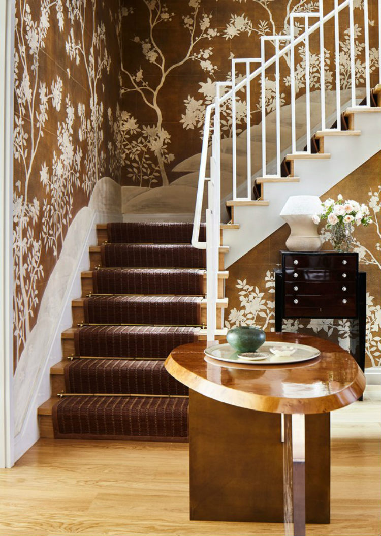 Chinoiserie wallpaper bringing the element of tradition and blending with a modern sculptural table - Interior Designers interior designers Top 10 Interior Designers in New York Dan Fink Interior Designers